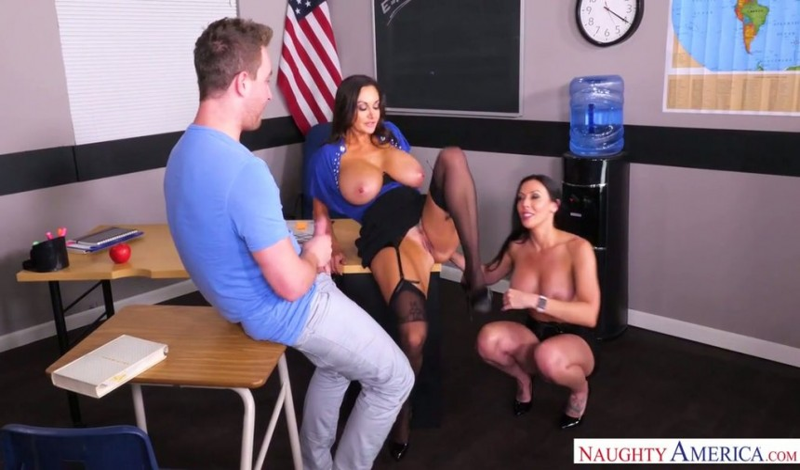 introduisant le sexe anal